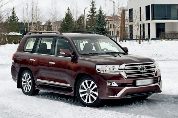 Toyota Land Cruiser 200 Executive вид сбоку